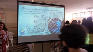 FOTO: A foto mostra em apresentação ao power point o cartão de Natal da ICB